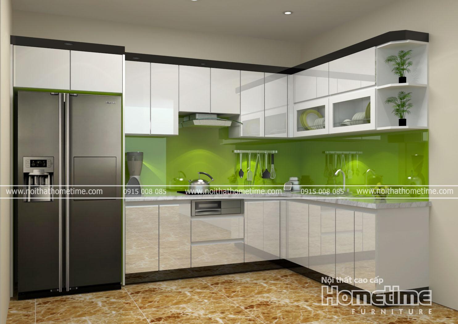 Hình ảnh tổng quan về tủ bếp phủ bóng tráng gương nhà chị Hồng